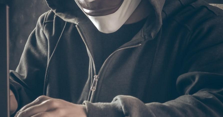 Online kaszinó-csalások | Ismerje a vörös zászlókat