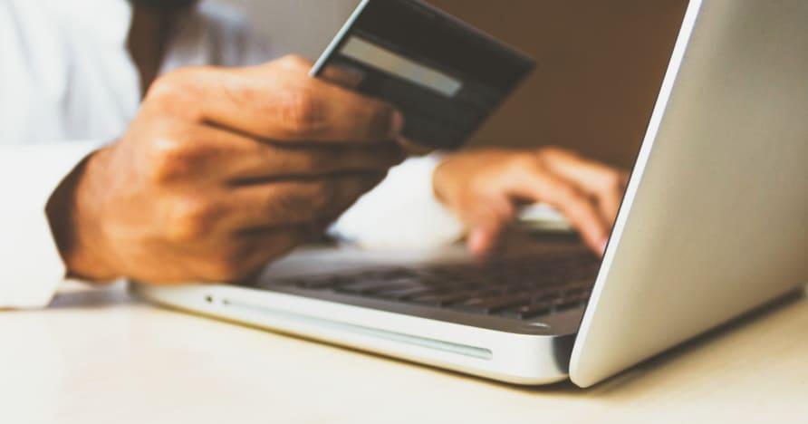 A hitelkártya tilalma az Egyesült Királyságban történő fogadásra